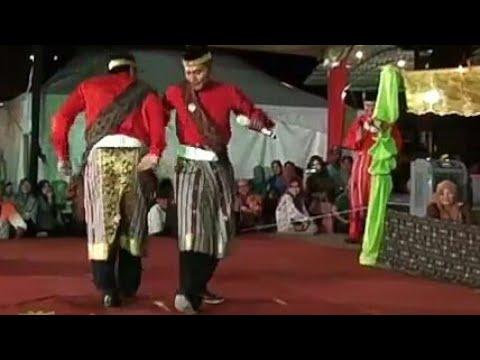 Bermukun Gendang Sarawak Tarik Warga Brunei
