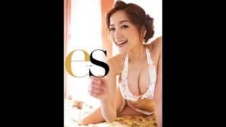 女優でタレントの佐藤江梨子がブログで公開したビキニ姿が話題になって...