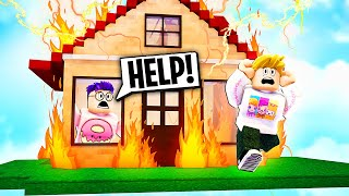 Can We Survive ROBLOX HORRIFIC HOUSING!? (INSANE GAMEPLAY)