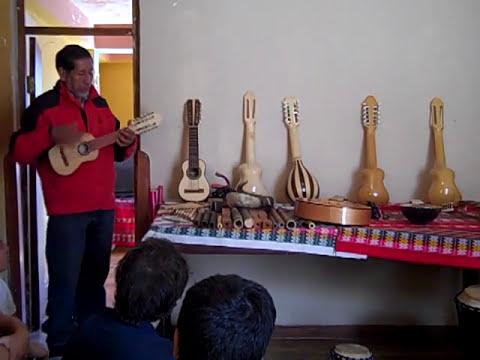 PERUVIAN MUSIC: CHARANGO!