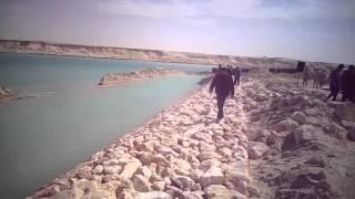 شاهد أعمال تدبيش أول جسر فى قناة السويس الجديدة بالكيلو متر 76