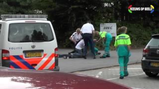 Verwarde man agressief tegen ambulance medewerkers Kromhoutstraat Rotterdam