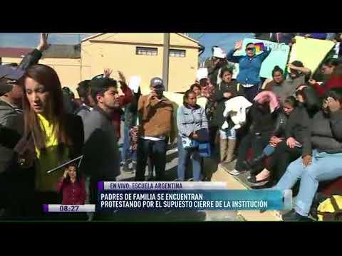 Protestan por supuesto cierre de escuela República Argentina