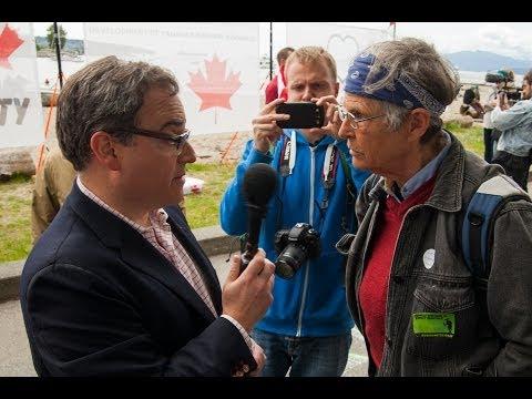 Ethical Oil author Ezra Levant at Vancouver No Enbridge Rally for Sun TV