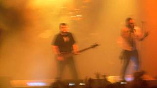 Good Charlotte - Introduction to Cardiology + Let the music play - Paris, 01.02.11