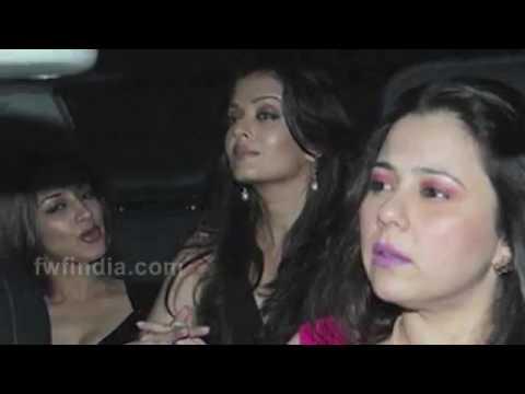 Bollywood Actress Caught Without PANTIES  Kangana Ranaut Alia Bhatt thumbnail