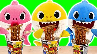 Baby sharks cooks Pororo Black Noodle Without Daddy Shark Knowing | PinkyPopTOY
