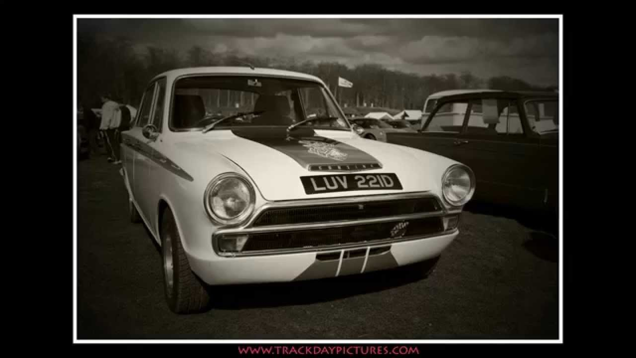 Classic Cars, American Muscle Cars in England - YouTube