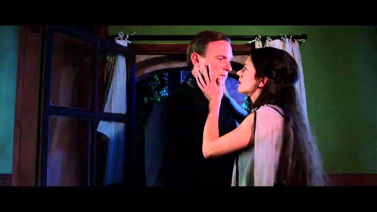 Dracula Di Dario Argento Il Film Completo E Su Chili Trailer Ufficiale Italiano Youtube