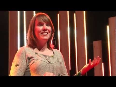 The danger of mixing up causality and correlation: Ionica Smeets at TEDxDelft