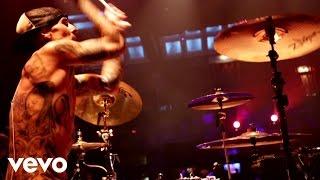 Esattamente 7 anni fa usciva il video di Push 'Em di Travis Barker!
