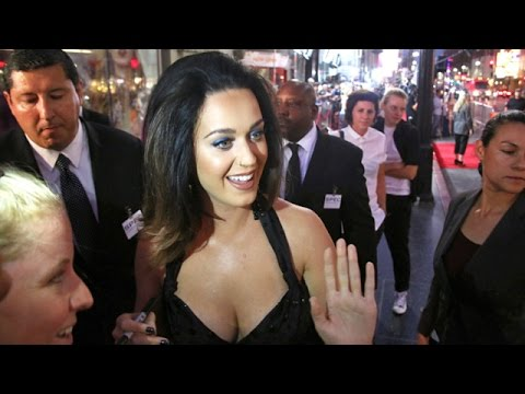 Katy Perry Flaunts Cleavage And Legs At Hollywood Handprint Ceremony thumbnail