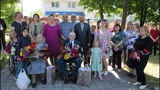 Парад для ветеранов ВОВ в Ленинском районе Донецка