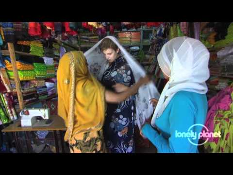 Dressing up for Hadra in Harar, Ethiopia - Lonely Planet travel video