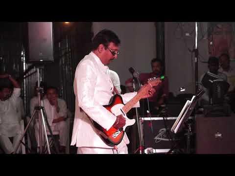 'Jeevan ke har mod pe...' on guitar by Mr. Taposh Mukherjee - Aachievement classes