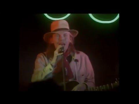 J. Karjalainen ja Mustat Lasit - Doris (musiikkivideo) reupload