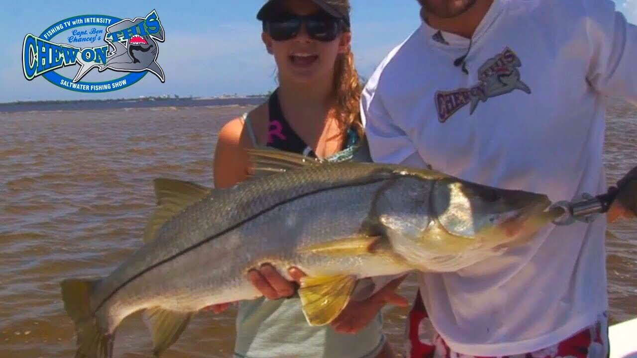 Beautiful girl fishing fort myers traditional snook for Cape coral fishing report