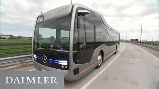 Uwe Grimm & der Mercedes Benz Future Bus