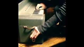 Le Maison Kasriel: portable harmonium Thumbnail