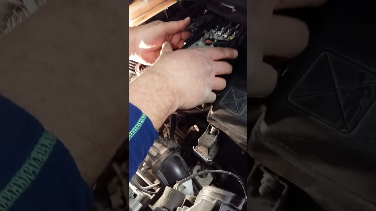 Batería peugeot 3008 desmontar battery(1) | Doovi