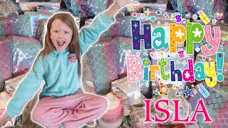 ISLAS 8th BIRTHDAY MORNING OPENING HER PRESENTS!