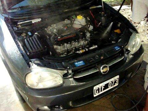 Lavado motor corsa c hidro youtube for Como lavar el motor de un carro