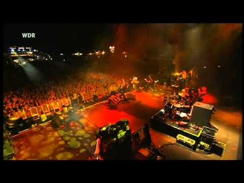 billy talent - rusted from the rain (live  @ Area4 2010)