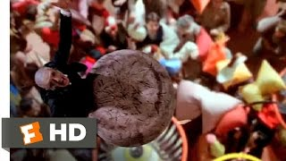 Pinocchio (5/10) Movie CLIP - Cricket in Playland (2002) HD