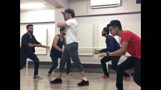 hrithik roshan dance practice for up coming movie