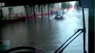 Потоп в Гомеле или большой уличный бассейн.mp4(, 2012-07-10T20:01:29.000Z)