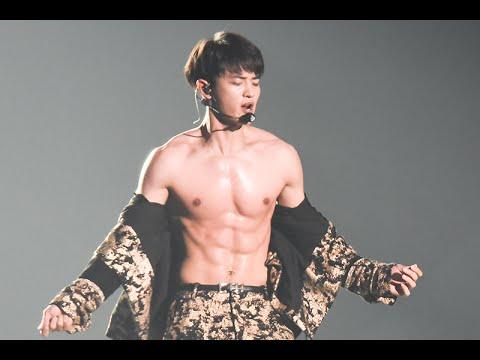 150927 - MinHo Sexy Dance SHINee World IV in BANGKOK