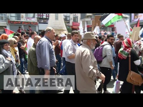 Palestinians on strike in solidarity with prisoners
