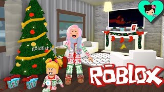 Decorate My House for Christmas in Roblox with Bebe Goldie! - Playing Bloxburg