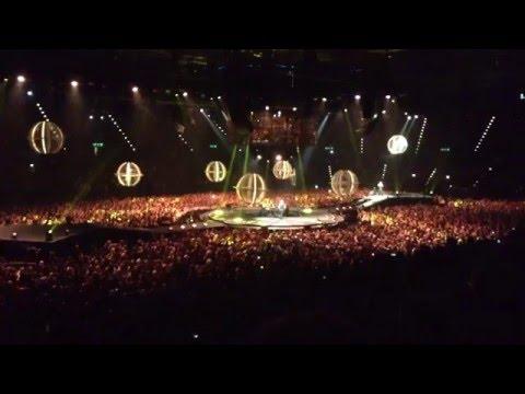 Muse - Starlight ( Live Birmingham Barclaycard Arena 02/04/16 )