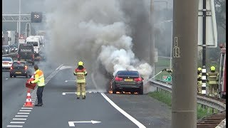 Brandweer Sleeuwijk en politie met spoed naar een voertuigbrand op de A27 bij Gorinchem