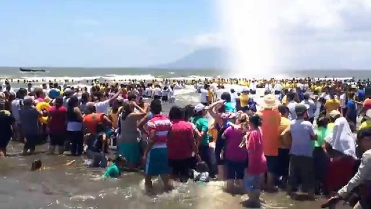 Resultado de imagen para Las asambleas de Dios en el AM bautizan a más de 12 mil personas el mismo día