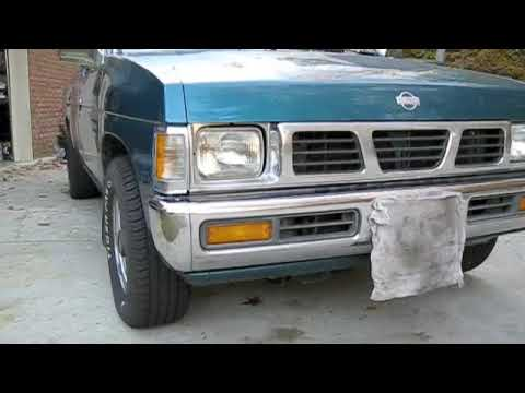 1995 Nissan XE V6 Pickup Start Up Engine And Full Tour