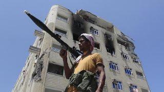 استمرار الاشتباكات في تعز رغم بدء الهدنة الإنسانية