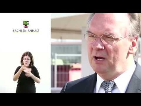 Grundsteinlegung Südzucker AG Zeitz Videobotschaft Reiner Haseloff 2014 - 23 barrierefrei