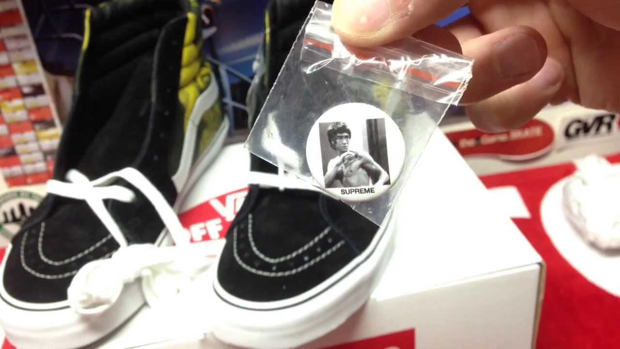 e966ed6f38 Supreme x Bruce Lee x Vans- Sk8 HI and T-shirt pickups   On feet (16) -  YouTube