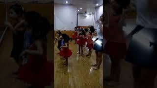 Tập múa ( Thảo Nhi )