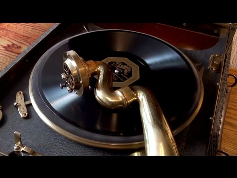 Columbia Model 113a Gramophone, Westchester Biltmore Orchestra.