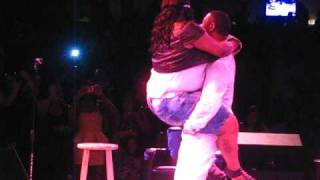 Keith Sweat picks BIG GIRL out audience & Freaks her down on Stage!
