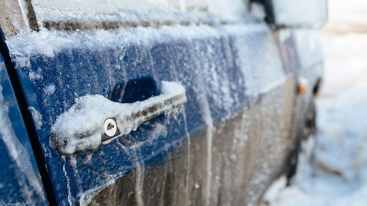Frozen car. What to do Tips for winter car operation 89