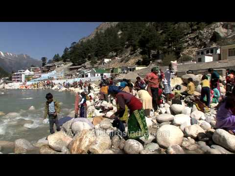 Devotees praise Goddess Ganga