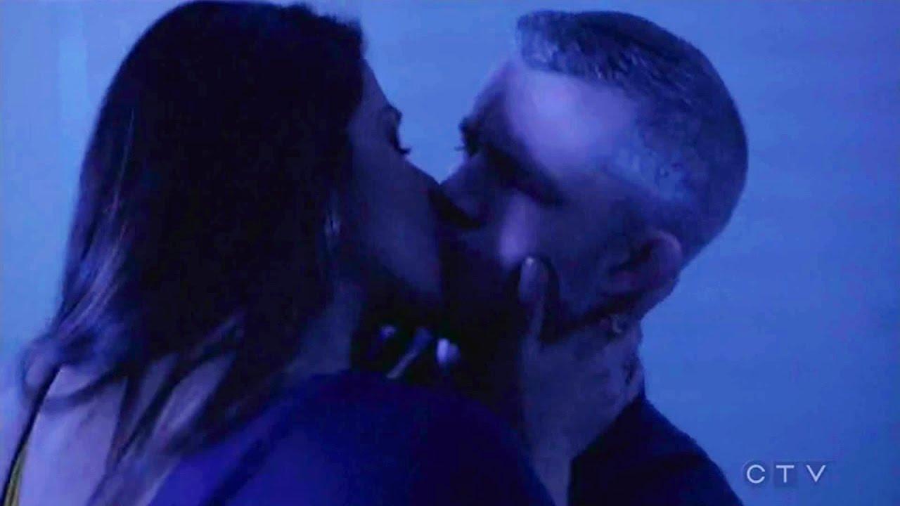 Priyanka Chopra Hot Kissing Scene