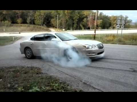 2009 Buick Lacrosse Smokey Burnout  YouTube