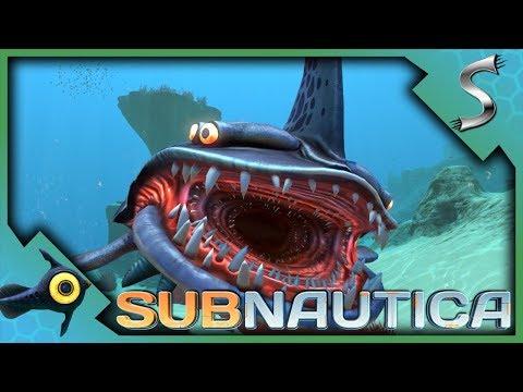 SEARCHING LIFEPOD WRECKS, SAND SHARKS & SEAMOTH FRAGMENTS! - Subnautica [Gameplay E3]