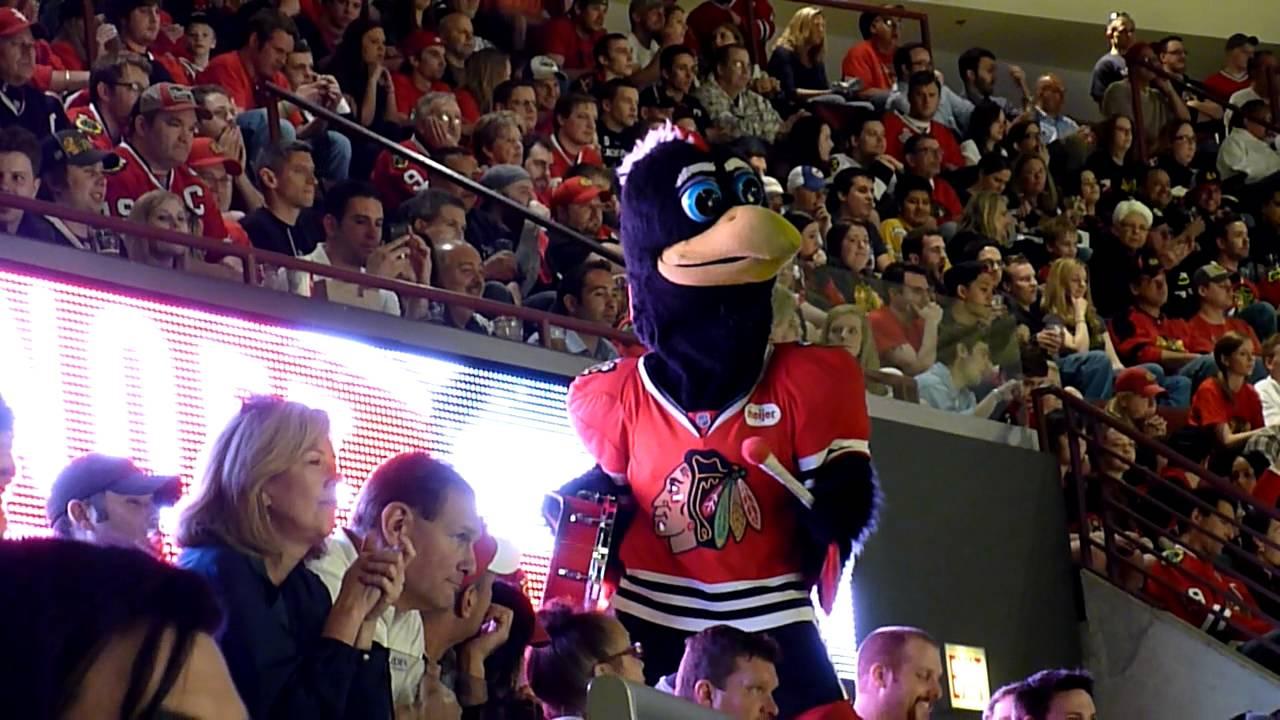NHL-PLAYOFF BLACKHAWKS MASCOT Minnesota Wild vs. Chicago ...