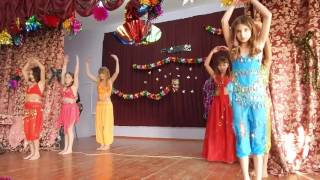Восточный танец от девочек 5 класса Новый год 2016